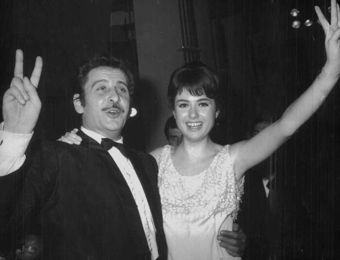 """1966 - Domenico Modugno e Gigliola Cinquetti, vincitori del Festival con """"Dio, come ti amo"""" (Archivi Rcs)"""